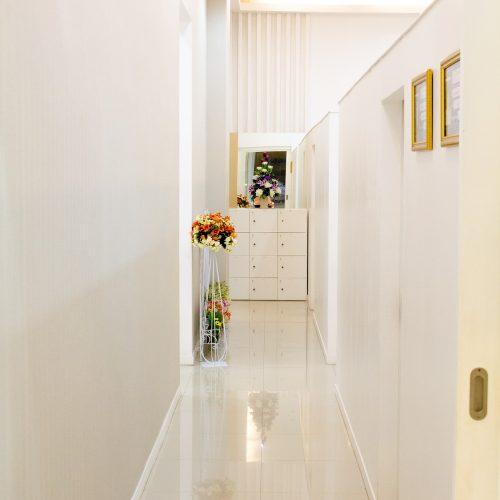 white-room-2267978_1920